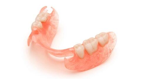 Починка протеза приваркой зуба (кламмера) в Москве